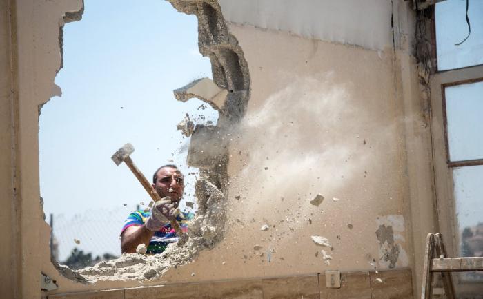 Savo namus Jeruzalėje priverstas griauti palestinietis